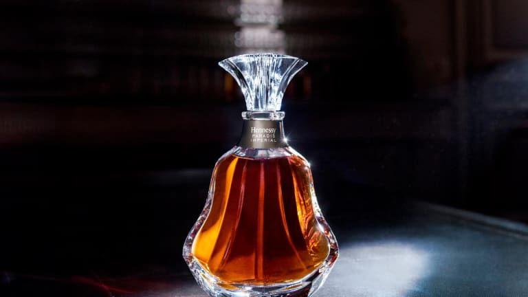 Hennessy Unveils the New Paradis Impérial Decanter & Specially-Designed LV Trunk