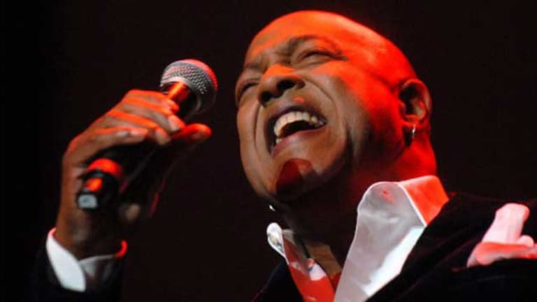 Peabo Bryson Had a Mild Heart Attack Over the Weekend