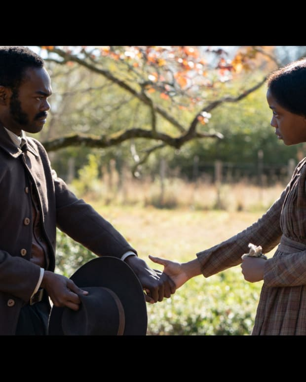 William Jackson Harper and Thuso Mbedu in The Underground Railroad