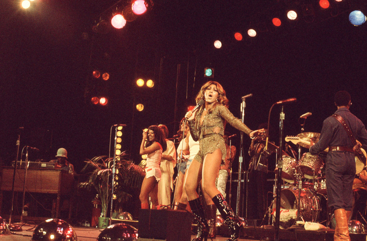 Tina Turner and The Ikettes performing in January 1976