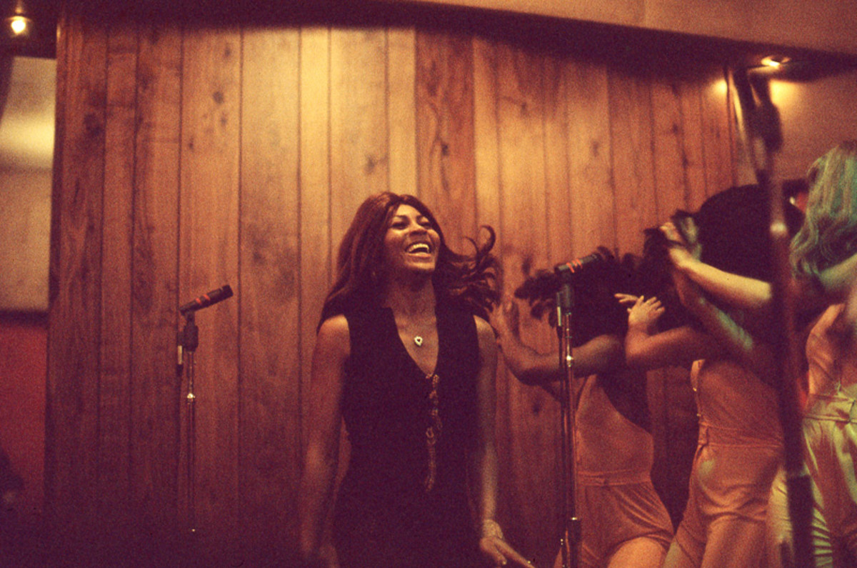 Tina Turner and The Ikettes perform for Bolic Sound KMET broadcast in May 1973