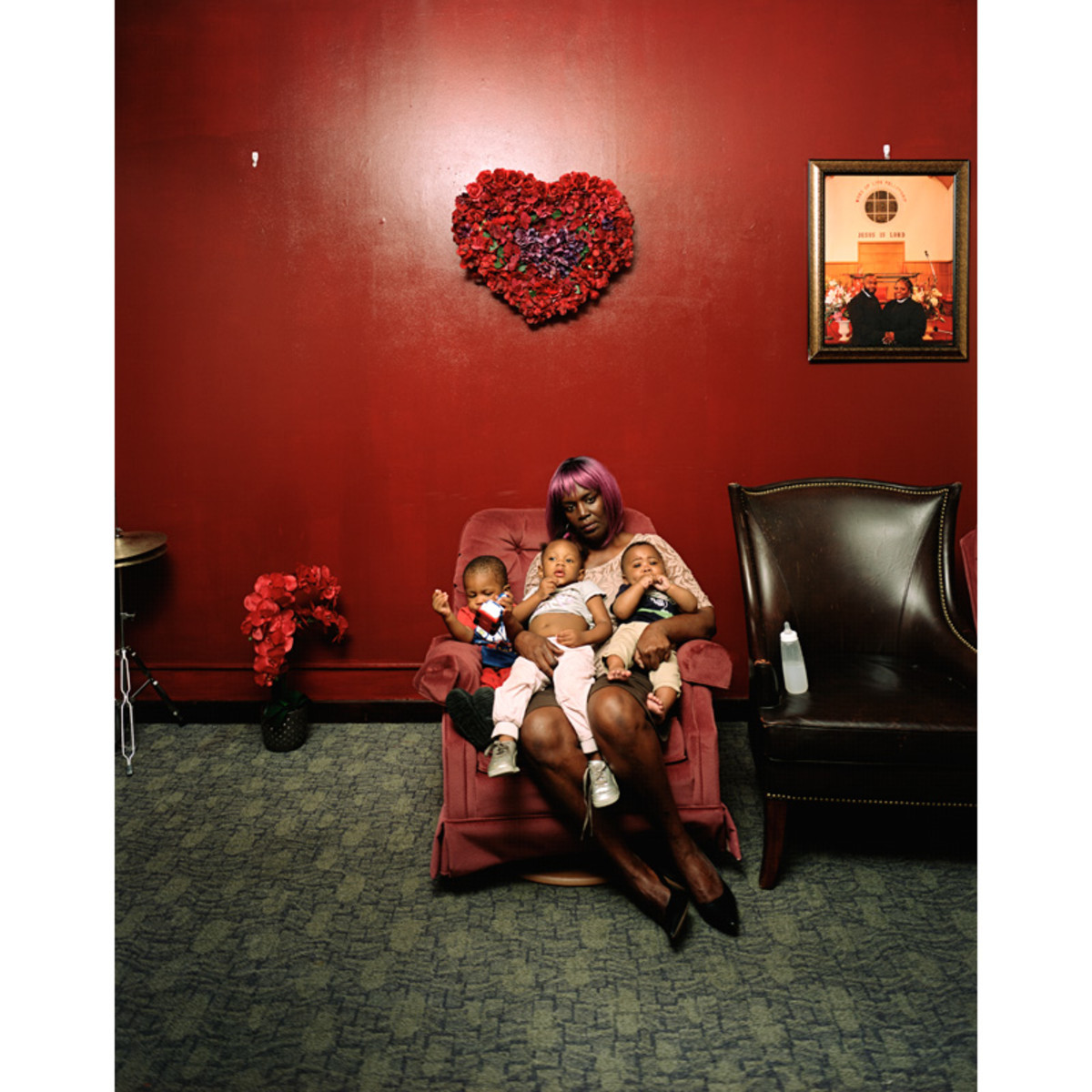 Deana Lawson, Young Grandmother, 2019 ©