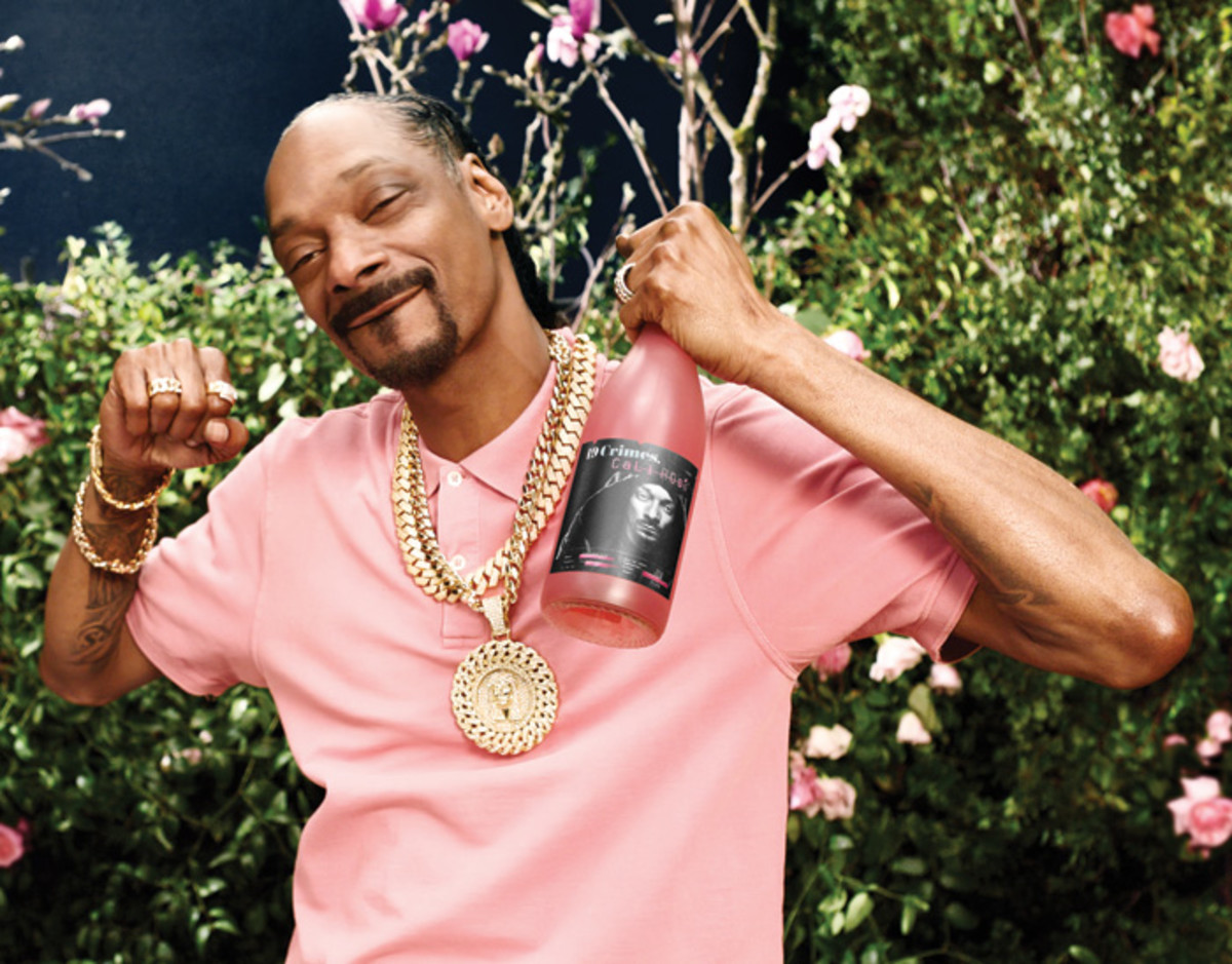 """Snoop Dogg's Snoop Cali Rosé in the """"CEO"""" music video"""