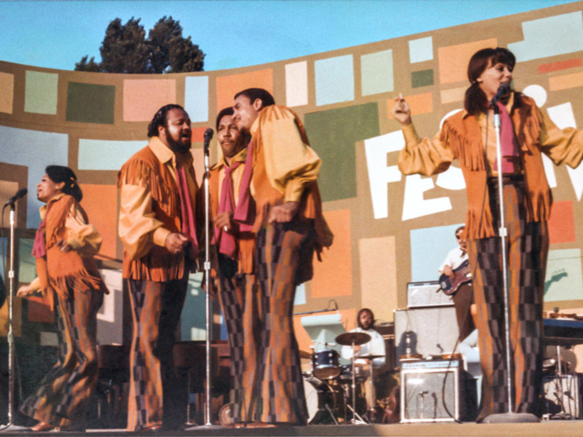 The 5th Dimension performs during the Harlem Cultural Festival.