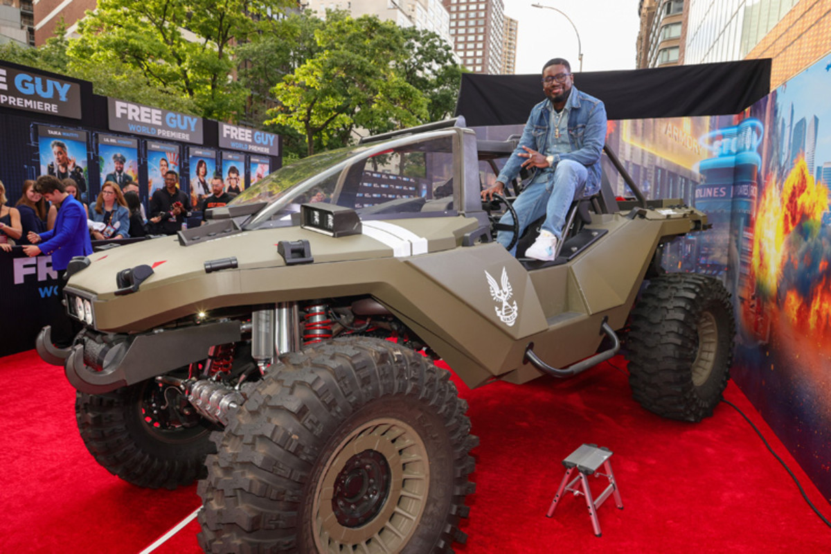 Lil Rel Howery gets in the driver's seat of the Xbox and Hoonigan Industries life-sized, scale replica of a Warthog from the Halo franchise.